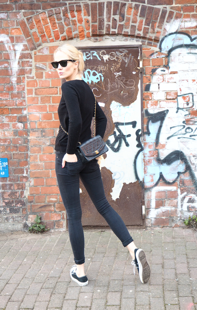 CHANEL-Vintage-Black-Outfit-nie-wunschfrei_C