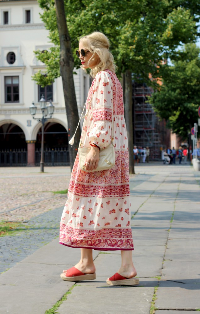 JOHNFRIEDA-SHEERBLONDE_wunschfreiBlog-Kate-Gelinsky_1-636x1000