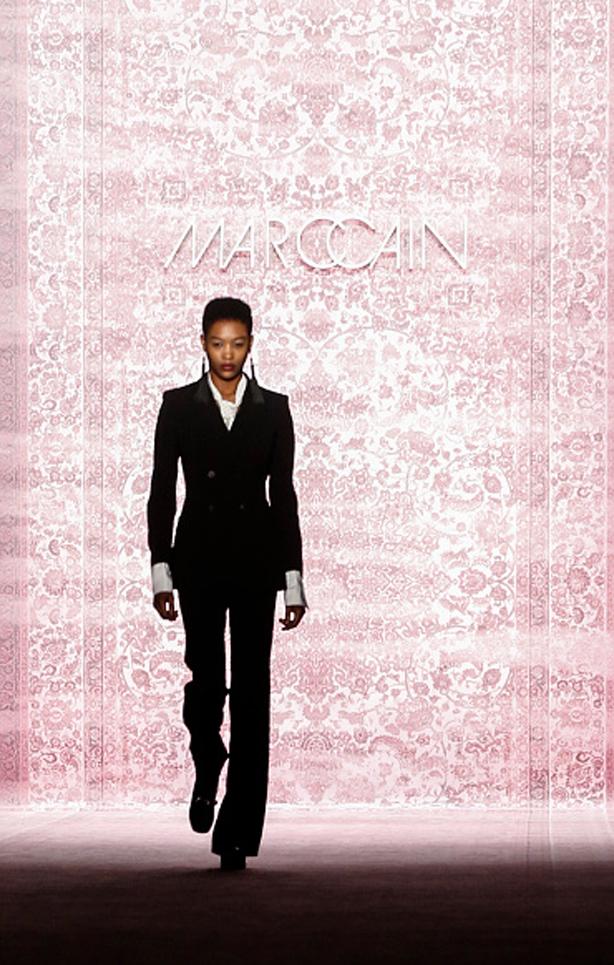 MarcCain-VelvetAffairs-AW16-Kate-Glitter-38