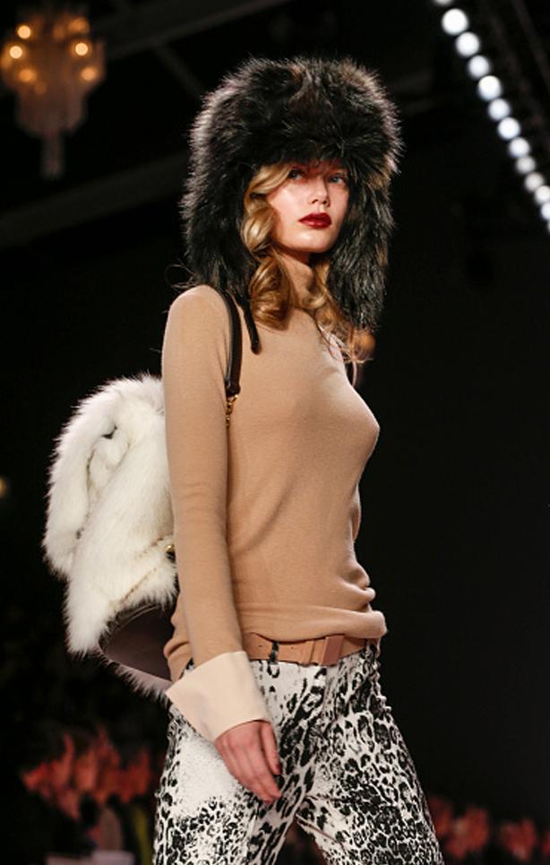 MarcCain-VelvetAffairs-AW16-Kate-Glitter-40