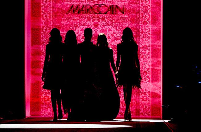 MarcCain-VelvetAffairs-AW16-Kate-Glitter-Q