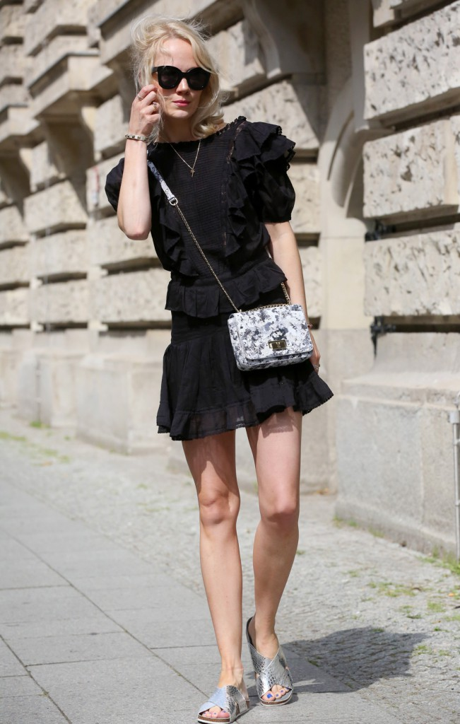 AIGNER-BLOG-KATE-GLITTERLucy-Bag-graphit-A