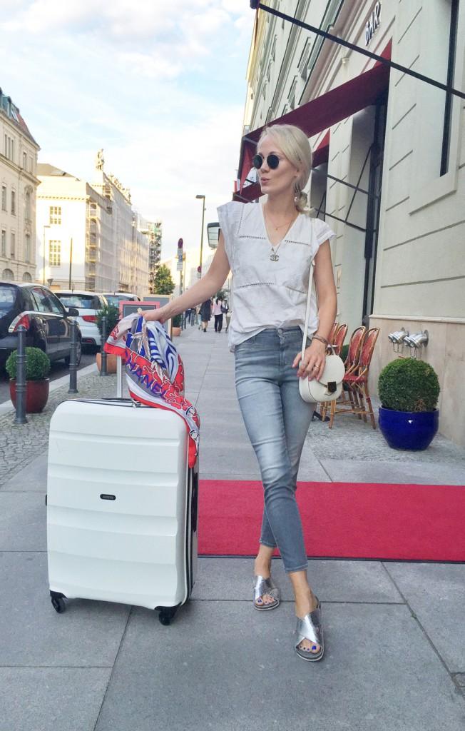 MarcCain-Kate-Glitter-ss17-Fashionshow