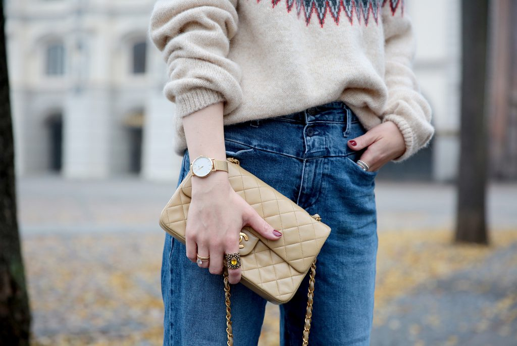 CLUSE-Watch-gold-Closed-A