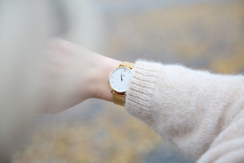 CLUSE-Watch-gold-Closed-C