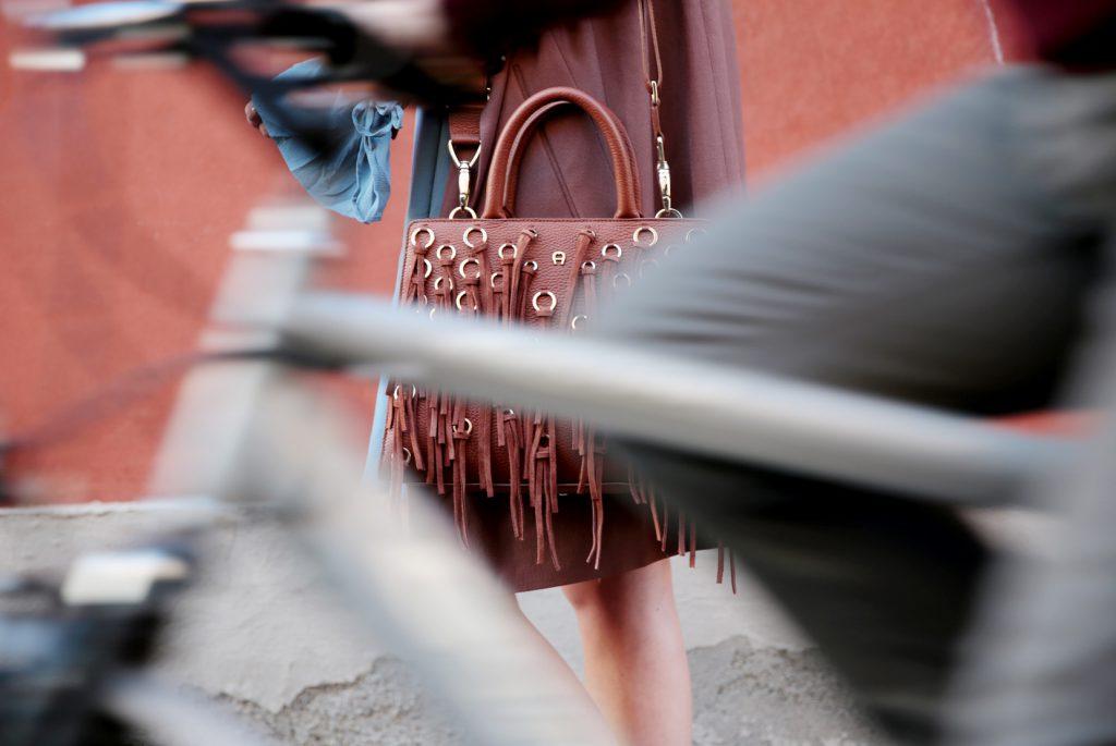 Fashionshow-Aigner-ss17-cybill-farrah-B