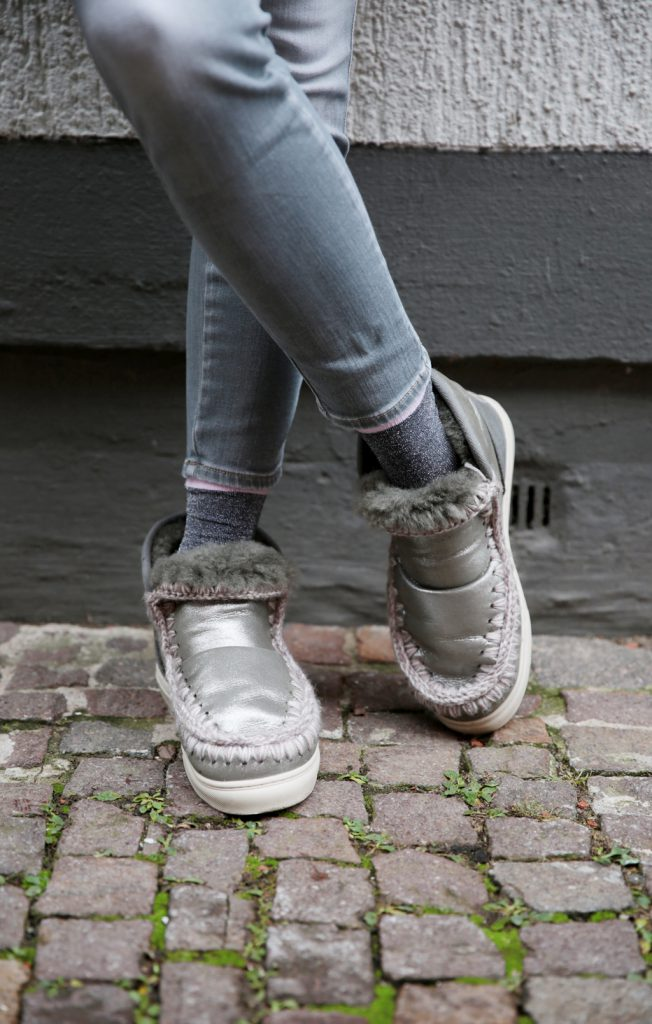 CLOSED-Selfishmother-Mou-Shoes-G