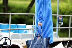 THE CHANEL DEAUVILLE BAG ON TOUR